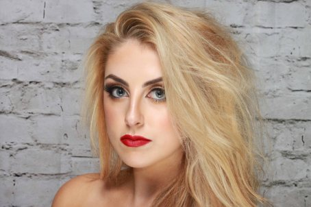 Model Photography - Model & MUA Kellie Byrne