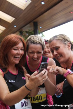 Pink Ladies Running Club - Temple Street, WMM 2016